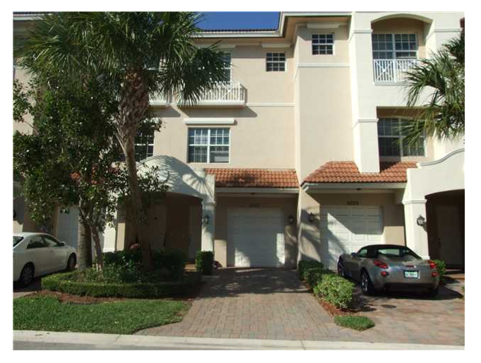 This Palm Beach Gardens townhome in Cielo was sold on 12/17/2010 for $236,900 and today is listed for sale through Cobblestone Realty for $310,000.